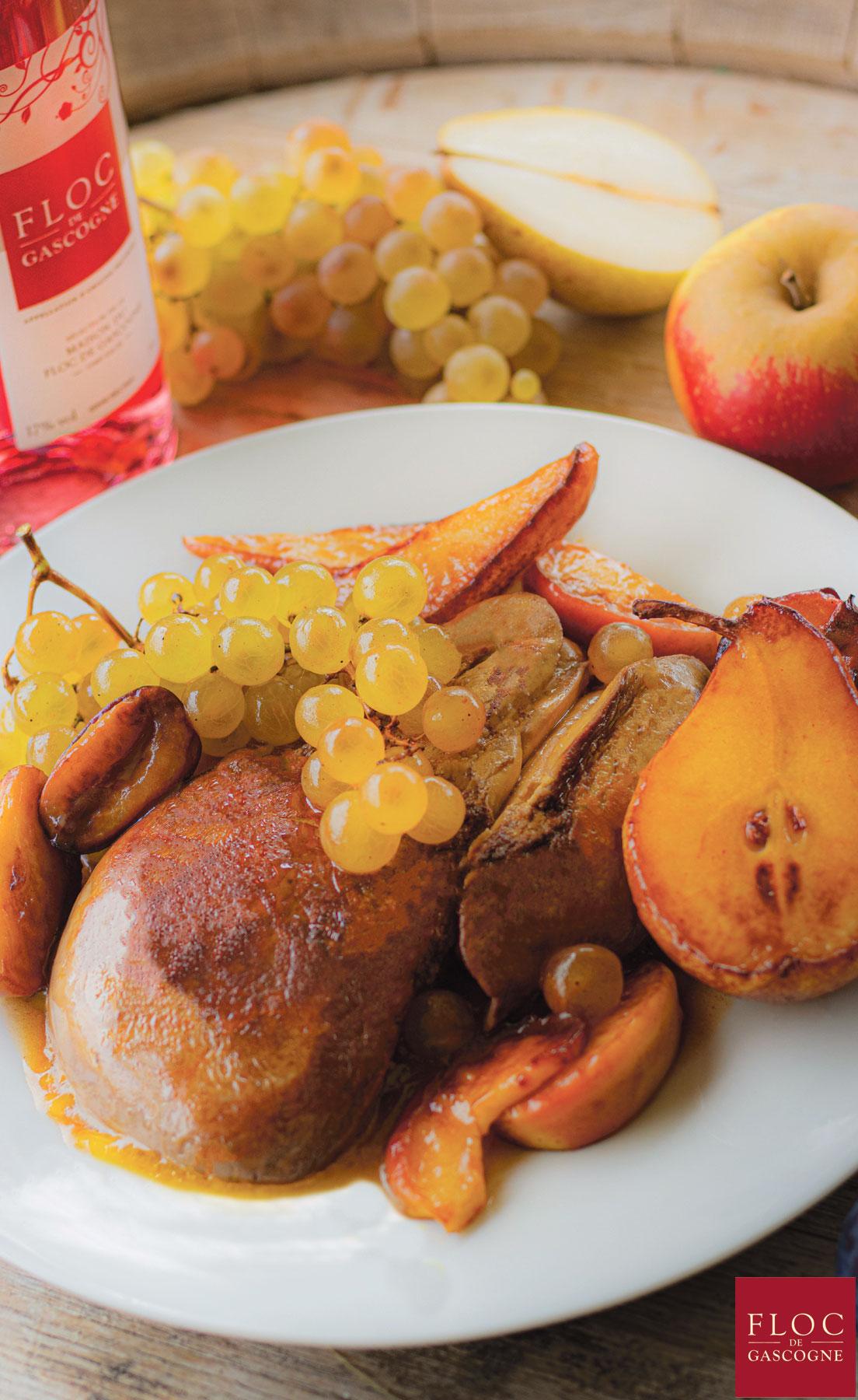 Recette de foie gras de canard braisé entier, fruits et sauce au Floc-de-Gascogne
